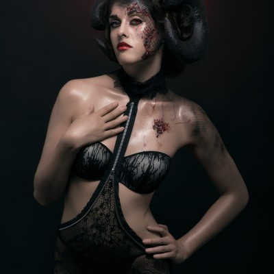 Succubus  Model : Fanny Mynd, Fanny Mynd, French Model Make-Up & Dressing & Hair : Tokyo Mua