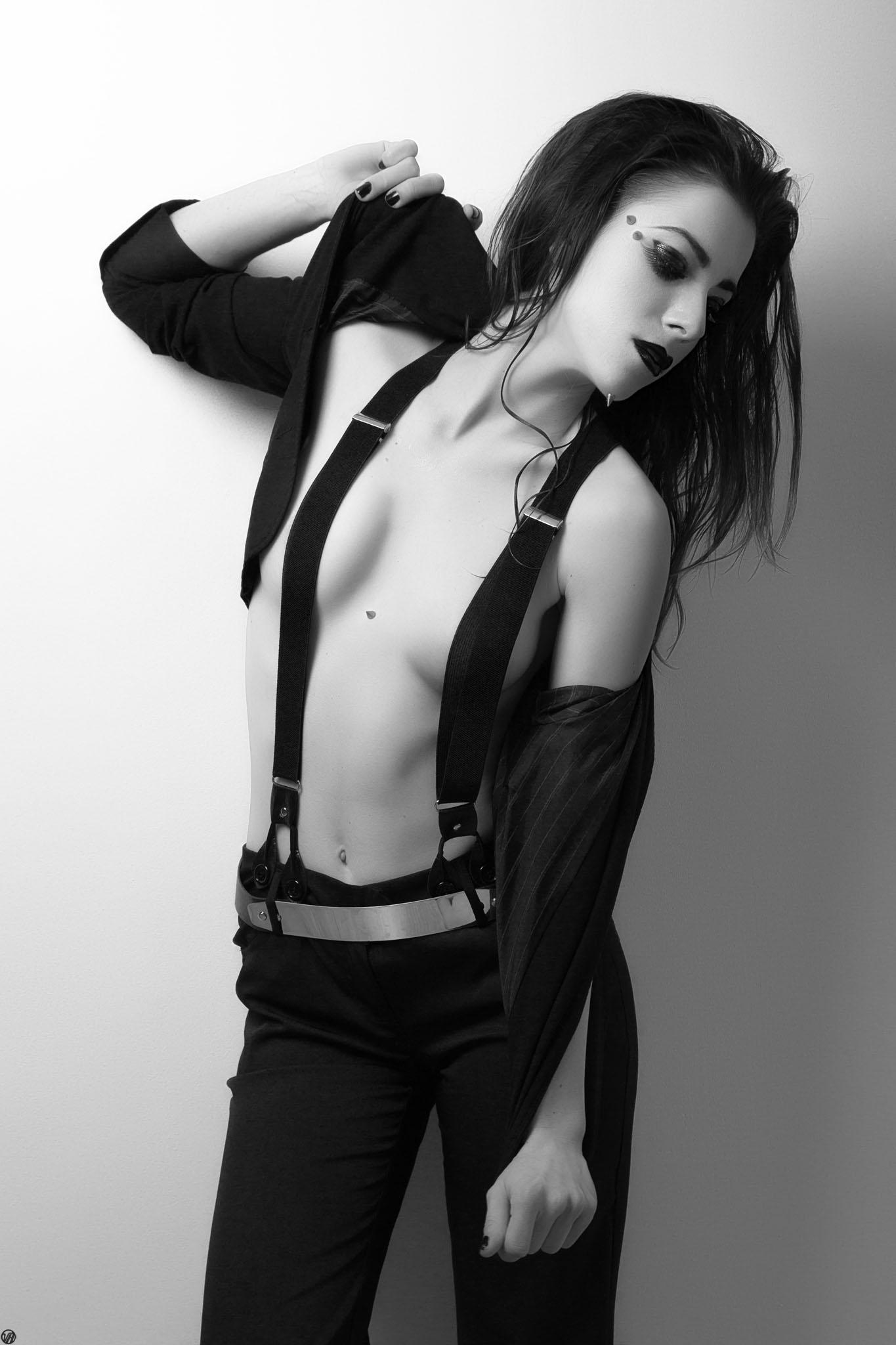 Modèle : Axèle Bordron Make-Up : Tokyo Mua Site Web : http://vinnyhardy.com/